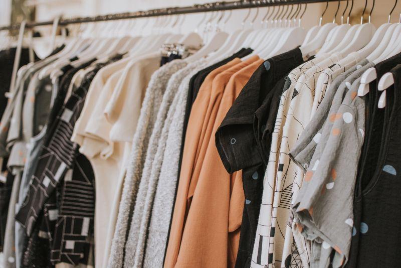 服の素材(プラスチック)
